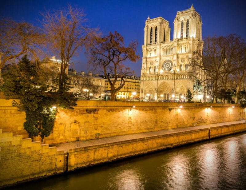 Notre Dame Paris vs new York