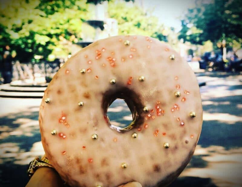 champagne donut west village nyc