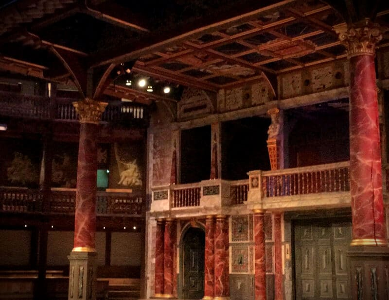 interior globe theatre