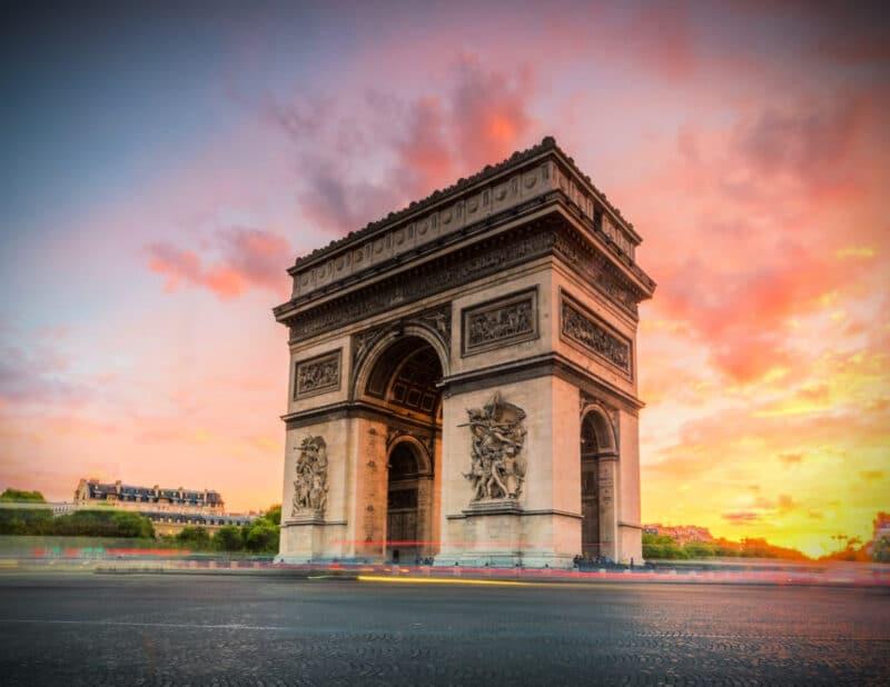Arc de triomphe sunset
