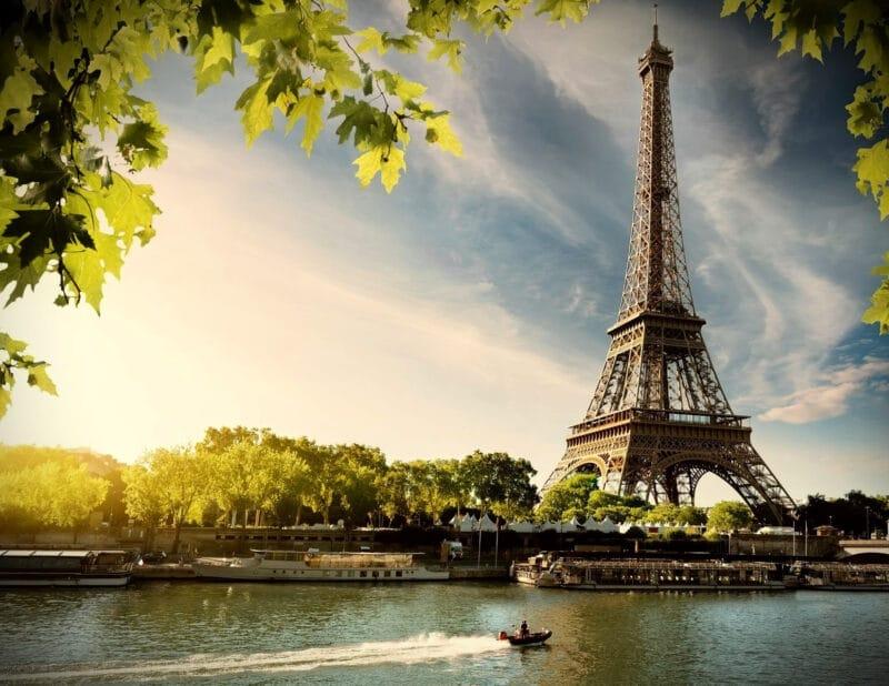 Eiffel Tower Daytime