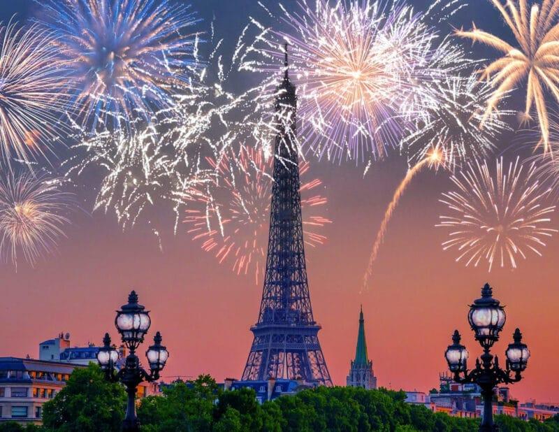 Eiffel Tower Fiewworks
