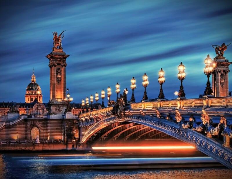 pont alexandre at night Paris