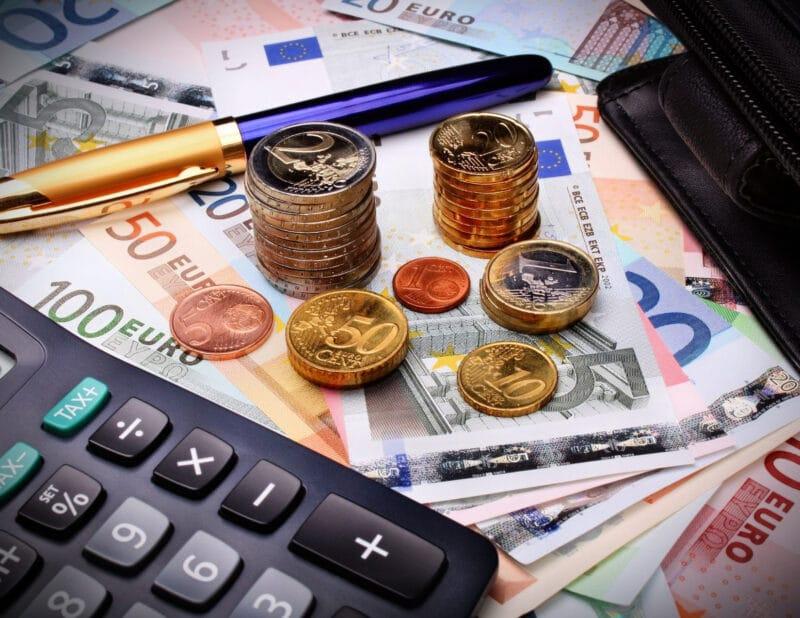 Dealing with Money in Paris 2